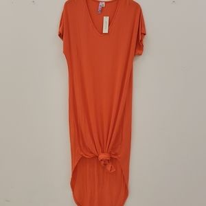 Coral midi tshirt dress with curved hem